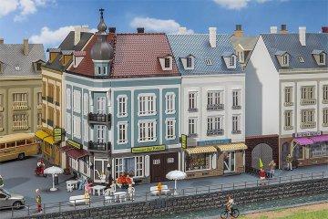 2 Stadthäuser Beethovenstraße · FAL 130703 ·  Faller · H0