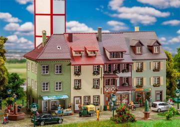 3 Kleinstadthäuser · FAL 130708 ·  Faller · H0