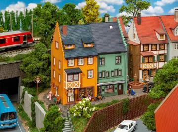 2 Reihenendhäuser Kleinstadt · FAL 130710 ·  Faller · H0