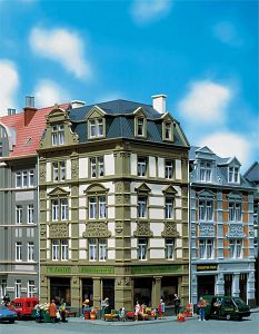 Stadt-Eckhaus Goethestrasse 62 · FAL 130916 ·  Faller · H0