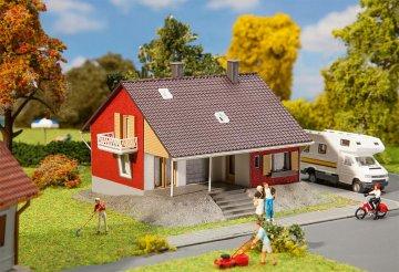 Wohnhaus mit Terrasse · FAL 131355 ·  Faller · H0