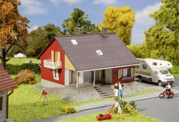Wohnhaus mit Terrasse · FAL 131501 ·  Faller · H0