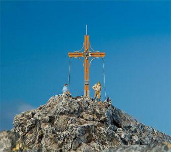 Gipfelkreuz mit Bergspitze · FAL 180547 ·  Faller · H0