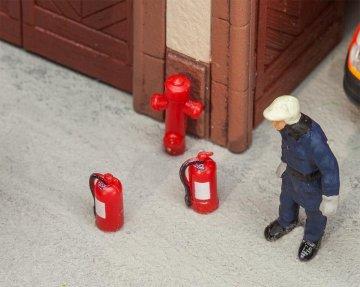 6 Feuerlöscher und 2 Hydrante · FAL 180950 ·  Faller · H0