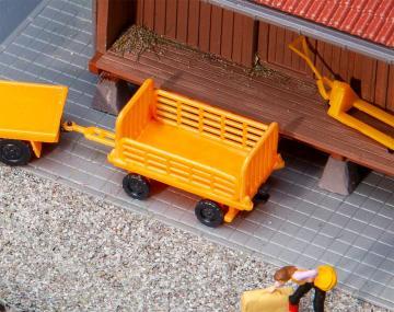 2 Bahnsteigwagen, orange · FAL 180991 ·  Faller · H0