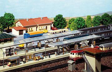 3 Bahnsteige · FAL 222119 ·  Faller · N