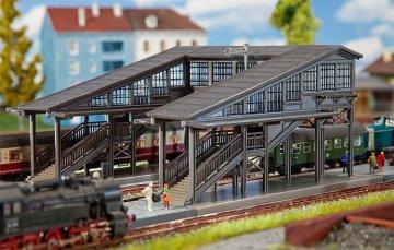Bahnsteigbrücke Radolfzell · FAL 222153 ·  Faller · N