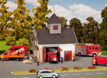Ländliches Feuerwehrhaus · FAL 222208 ·  Faller · N
