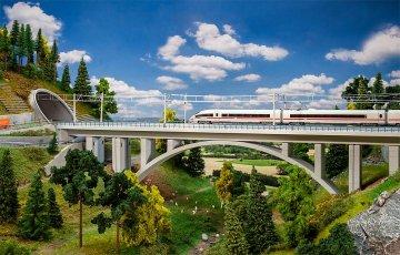 Moderne Bogenbrücke · FAL 222573 ·  Faller · N