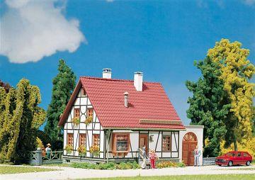 Fachwerkhaus mit Garage · FAL 232215 ·  Faller · N