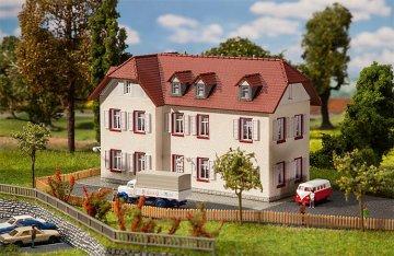 Zweistöckiges Winkelhaus · FAL 232216 ·  Faller · N