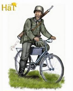WWII German Bicyclists · HAT 8119 ·  HäT Industrie · 1:72
