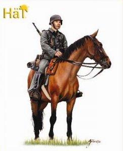 WWII German Mounted Infantry · HAT 8120 ·  HäT Industrie · 1:72