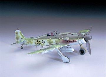 Focke-Wulf Fw 190 D-9 J150 · HG 608069 ·  Hasegawa · 1:32