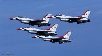 F-16C Fighting Falcon Thunderbirds · HG 609894 ·  Hasegawa · 1:48