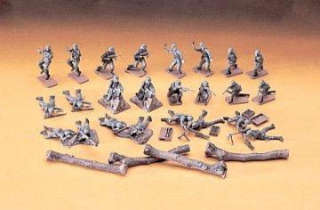 German Infantry Attack · HG 631130 ·  Hasegawa · 1:72