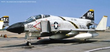 F4J Phantom II, VF-84 Jolly Rogers · HG 651044 ·  Hasegawa · 1:48