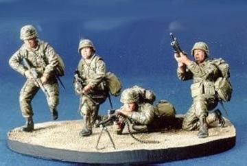 R.O.C. Marine Team- 4 Figures with Base · HF 512 ·  Hobby Fan · 1:35