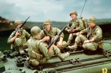 U.S. Marine Corps LVTP5A1-5 Figures only · HF 515 ·  Hobby Fan · 1:35