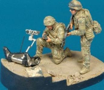 Ranger Reconn. OIF ISAF- 2Fig w/Robot · HF 594 ·  Hobby Fan · 1:35