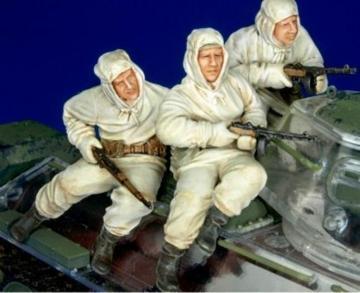 Russ. infantry on T-34 winter unif. set1 · HF 705 ·  Hobby Fan · 1:35