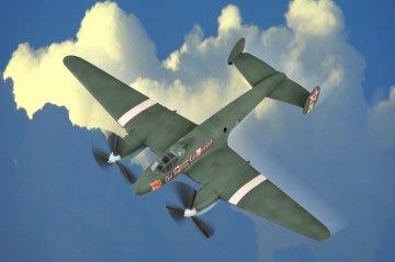 Soviet PE-2 Bomber · HBO 80296 ·  HobbyBoss · 1:72