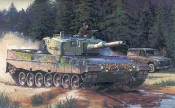 German  Leopard  2  A4  tank · HBO 82401 ·  HobbyBoss · 1:35