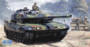 German  Leopard  2  A6EX  tank · HBO 82403 ·  HobbyBoss · 1:35