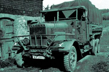 Henschel 33D1, WWII German Army Truck · ICM 35466 ·  ICM · 1:35