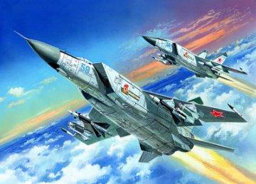 MiG-25PD Soviet Heavy Interceptor Fighter · ICM 72171 ·  ICM · 1:72