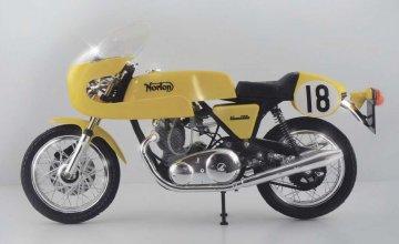 Norton Commando PR 750cc · IT 104640 ·  Italeri · 1:9