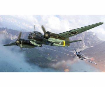 Junkers Ju 88 - War Thunder · IT 35104 ·  Italeri · 1:72