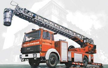 Iveco-Magirus DLK 23-12 Fire Ladder · IT 3784 ·  Italeri · 1:24