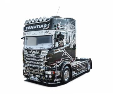 SCANIA R730 Streamline Show Truck · IT 3952 ·  Italeri · 1:24