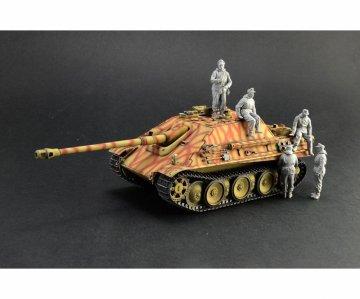 Sd.Kfz.173 Jagdpanther + Winter crew · IT 6564 ·  Italeri · 1:35