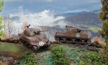 Sherman   M4 A3   2x · IT 7518 ·  Italeri · 1:72