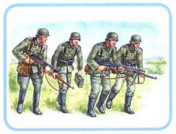 Deutsche Panzergrenadiere 1939-42 · MBO 3513 ·  Master Box Plastic Kits · 1:35