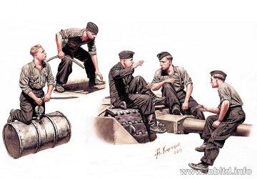 German Tankmen WWII era · MBO 35160 ·  Master Box Plastic Kits · 1:35