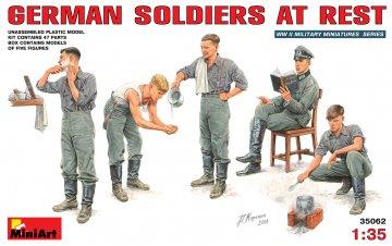 Deutsche Soldaten bei der Pause · MA 35062 ·  Mini Art · 1:35