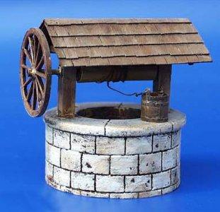 Brunnen mit Seilwinde · PM 35016 ·  plusmodel · 1:35
