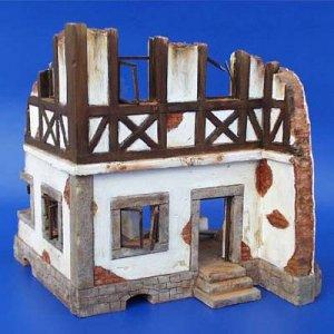 Deutsches Fachwerkhaus-Ruine · PM 35047 ·  plusmodel · 1:35