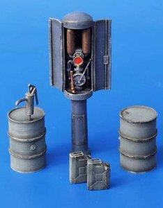 Tankstelle · PM 35056 ·  plusmodel · 1:35