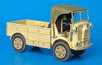 SPA L39 Coloniale · PM 35086 ·  plusmodel · 1:35