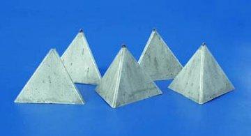Panzerbarrikaden Pyramidenform Set I · PM 35130 ·  plusmodel · 1:35