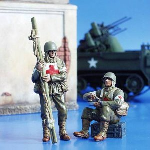 U.S. Soldaten Sanitäter WW II · PM 35160 ·  plusmodel · 1:35