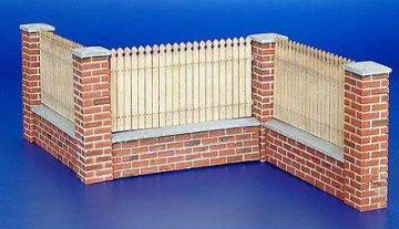 Zaun mit Mauerabschluss · PM 35215 ·  plusmodel · 1:35