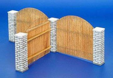 Holzzaun mit Mauerpfosten · PM 35216 ·  plusmodel · 1:35