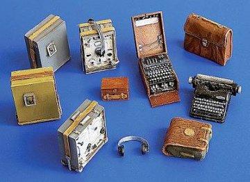Deutsche Empfänger und Enigma Schiffriermaschine · PM 35249 ·  plusmodel · 1:35