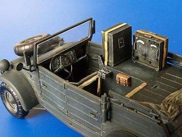 Kübelwagen Radio Car Kfz. 2 Umbau Set für Tamiya Bausatz · PM 35250 ·  plusmodel · 1:35