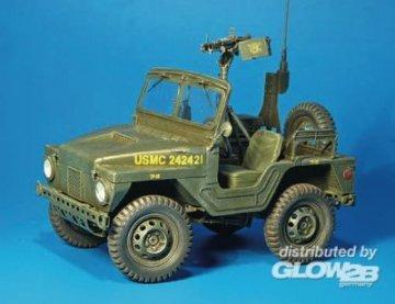 M422 Kommandot Fahrzeug · PM 35312 ·  plusmodel · 1:35